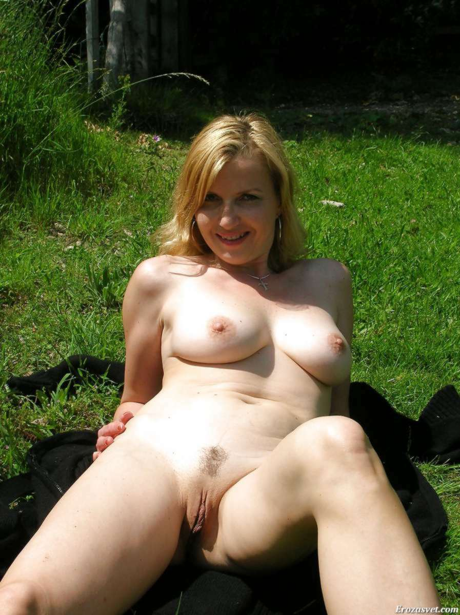 Wife Naked In Yard